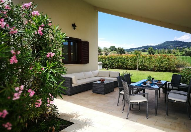 Casa a Bolsena - Casa Vacanza Maris - a soli 300 m dalla spiagga e con hot tub